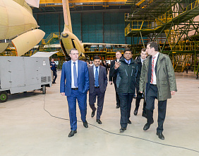 India's MoD Delegation Sees Russian 'Universal Soldiers' –  the IL-76MD-90A and IL-78MK-90A Military Transports